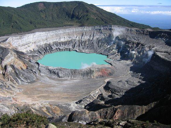 Volcán de Poás. Foto tomada de Wikimedia Commons.
